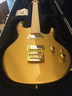 Ernie Ball Music Man Silhouette Gold Roller 2015 GOLD