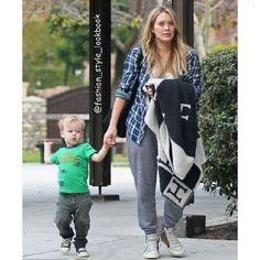 #hilaryduff #shirt #park #stroll #stroller #bag #baby #boy #luca #green #jeans #converse #shoes #keds #vans #lace #hightop #tanktop #disney #mommy #princess #fashion #style #lookbook... - Celebrity Fashion