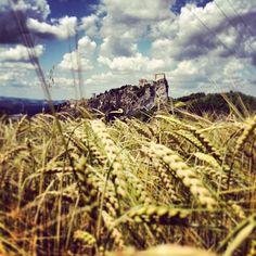 San Leo - Instagram by maikid - #rimini #valmarecchia Destinations, Wonderful Places, City Photo, Leo, Landscapes, Fair Grounds, Italy, Country, Nature