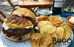 This burger is so good: pineapple, crispy bacon, melted mozzarella, fresh tomate slice, salad and chips #shinynewburger #pineapple #bacon #delicious #perfectburger #bestburger #bugoartburgers #miguelbombarda #porto #portugal