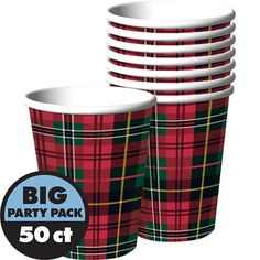 Tartan Christmas, Christmas Fun, Christmas Dinnerware Sets, Hot Chocolate Party, Baby Shower Purple, Skate Party, Christmas Table Decorations, Party Packs, Holidays And Events