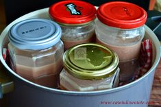 Pate din ficat de pui - CAIETUL CU RETETE Mason Jars, Good Food, Drinks, Easy, Desserts, Projects, Canning, Cooking, Drinking