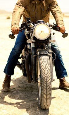 #Triumph Bonneville #caferacer #motorcycles | caferacerpasion.com