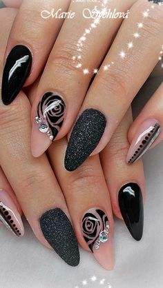 8 Beautiful Nail Art Designs for Short Nails – Tech the bite Nail Polish Designs, Acrylic Nail Designs, Nail Art Designs, Nails Design, Cute Halloween Nails, Halloween Nail Designs, Chic Halloween, Creepy Halloween, Halloween Ideas