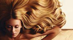 Come ridare luce ai capelli con i rimedi naturali
