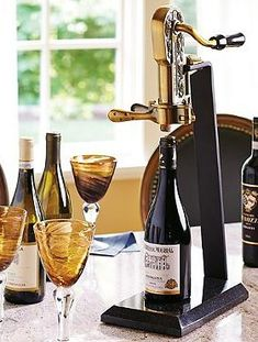 Delight the wine enthusiast in your life this Christmas with the Granite Base Wine Opener; a solid and beautiful opener that will bring a fine restaurant or hotel experience into the home.