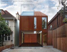 A House in Putney Eldridge Smerin Minimal Architecture, Interior Architecture, Modern Exterior, Exterior Design, Weathering Steel, Roof Extension, Unusual Homes, Steel House, Construction