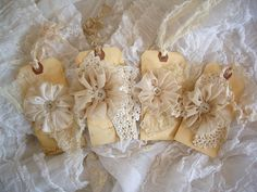 pretty lace tags