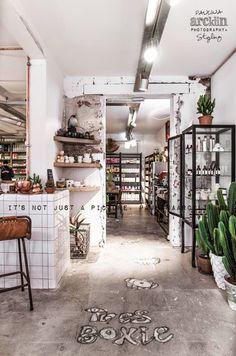 Leuk Cafe Interior Design, Retail Interior, Cafe Design, Store Design, Interior And Exterior, Interior Concept, Design Design, Design Ideas, Commercial Design