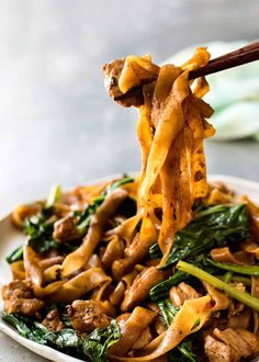 Ew - Thai Stir Fried Noodles Pad See Ew - A real restaurant quality Thai Stir Fried Noodles recipe, it's easy and fast!Pad See Ew - A real restaurant quality Thai Stir Fried Noodles recipe, it's easy and fast! Thai Dishes, Pasta Dishes, Ramen Dishes, Stir Fry Recipes, Cooking Recipes, Rice Noodle Recipes, Asian Noodle Recipes, Vegan Asian Noodle Recipe, Noodle Dish