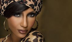 Official site of IMAN Cosmetics premiere line for Women with Skin of Color. Shop makeup & skincare and browse professional tips, how-tos, looks, and more. My Black Is Beautiful, Beautiful People, Iman Model, Supermodel Iman, Iman Cosmetics, Ageless Beauty, Flawless Beauty, Flawless Makeup, Flawless Skin