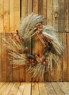 Corona Navideña.  Disponible en Lomas, Polanco, Pedregal  #regalos #detalles #viveduartee #decoracion #interiorismo #ideas #ideaspararegalar #cajas #disenoenmexico #disenomexicano #cajasdecarton