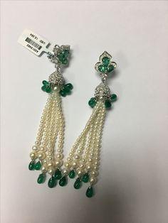 Emerald Jewelry, Diamond Jewellery, Jewelry Design Drawing, Pearl Earrings, Drop Earrings, Emeralds, Jewellery Making, Designs To Draw, Pomegranate
