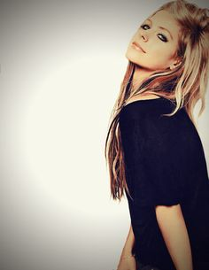 """""""And that's whyyyy I smile. It's been awhile, since everyday and everything has felt this right."""" Smile - Avril"""