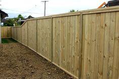 shiplap-fence.jpg (750×500)