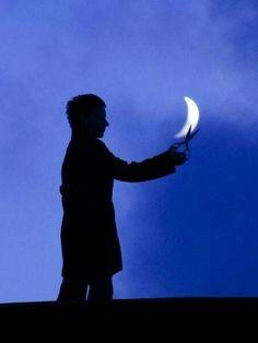 Charming Moon photos) - My Modern Metropolis Happy Alone, Moon Photography, Modern Metropolis, Poses, Photo Tips, Looks Great, Silhouette, Outdoor, Baddies