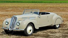 1940 Citroën Traction Avant by Challenger Motor Car Co. (US)