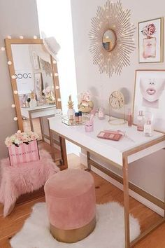 Modern White Makeup Table Design With Light Mirror ★ A makeup vanity table is not just a piece of furniture; it's the nook of worshipping your beauty! Therefore, it should be designed not only comfily but also stylishly. Here, we've collected the Room Ideas Bedroom, Girls Bedroom, Bedroom Decor, Decor Room, Bedroom Office, Makeup Table Vanity, Vanity Room, Makeup Tables, Vanity Tables