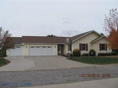 House for sale at 77 Fore Seasons Dr., Grinnell, IA 50112 - Zaglist.com®