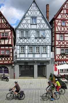 Half-timbered houses in Ochsenfurt. | Missing Germany