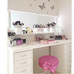 Makeup Vanity Decor, Makeup Rooms, Makeup Vanities, Closet Vanity, Vanity Room, Vanity Fair, Home Furniture Online, Discount Furniture, Tocador Vanity