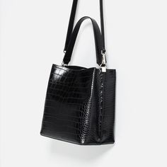 EMBOSSED BUCKET BAG from Zara | Architect's Fashion