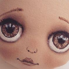 Глазки поближе)                                                                                                                                                                                 Mais