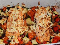 Low carb salmon with oven vegetables, a nice recipe from the vegetable category. Ratings: Average: Ø Low carb salmon with oven vegetables, a nice recipe from the vegetable category. Oven Vegetables, Roasted Vegetables, Healthy Smoothies, Smoothie Recipes, Tasty Meal, Law Carb, Fish Recipes, Healthy Recipes, Eating Clean