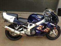 My 1999 cbr 900 fireblade Honda Sport Bikes, Honda Fireblade, Sportbikes, Hot Rides, Classic Bikes, Cbr, Ducati, Motorbikes, Accessories