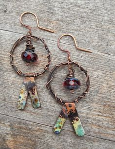 """saraccino: """"Tribal dance """" - Earrings for the bead hoarders blog hop The first time I was able to really use some of my numiosity stash :)"""