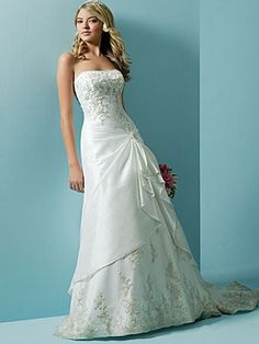 A-Line Silhouette with Pin Decorated Wedding Dress