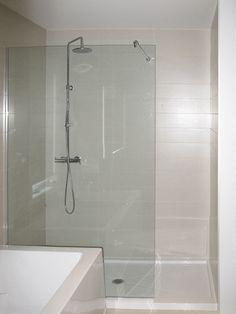 Tendances 2016 dans la salle de bains tendances salle de bain 2016 pinterest d coration for Porte de douche italienne