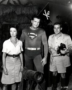 George Reeves as Superman, Jack Larson as Jimmy Olsen and Noel Neill as Lois Lane (DC Comics). First Superman, Superman Family, Batman And Superman, Original Superman, Superman Stuff, Superman Movies, Jack Larson, George Reeves, Adventures Of Superman