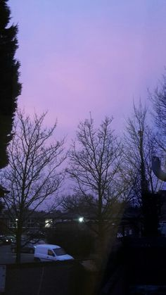 Medium purple evening sky <3
