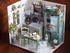 Dolls House miniatura accessorio da bagno camera da letto set di bottiglie di profumo donna B