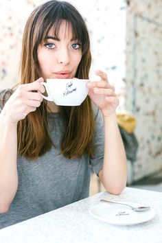 パリジェンヌ気分で楽しむ、週末パリ。starring Louise Follain | FASHION | ファッション | VOGUE GIRL