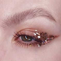 Maquillaje con glitter - Make Up Makeup Goals, Makeup Inspo, Makeup Inspiration, Makeup Ideas, Beauty Makeup, Drugstore Beauty, Gem Makeup, Exotic Makeup, Makeup Geek