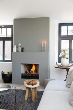 Cozy Corner Fireplace Design Ideas in the Living Room Home Fireplace, Living Room With Fireplace, Fireplace Design, Home Living Room, Living Room Decor, Fireplace Ideas, Grey Fireplace, Modern Fireplace Mantles, Modern Fireplaces