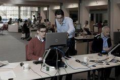 Journalisten in de newsroom van http://rd.nl.