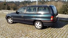 Opel astra 1.4i caravan carrinha muito boa de motor e de interiores,pintura com alguns riscos mas nada de grave,tem direcção assistida,vidros electricos,fecho central,testo abrir panorâmico,...