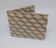 as caixas marrons