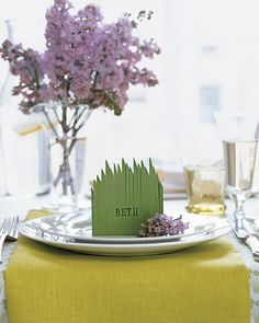 grassy place card tutorial from martha stewart    http://www.marthastewart.com/274529/easter-table-crafts-and-favors/@center/276968/easter#/273615