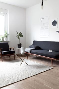 Simple minimal living room decor  || @pattonmelo