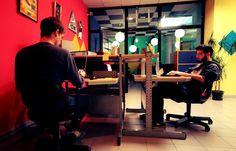 Cosa trovi al Bliss Coworking: 5 scrivanie personali in spazio comune