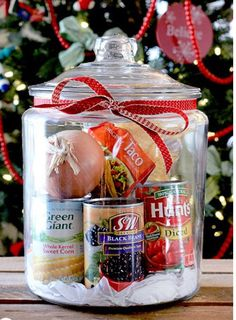 Taco Soup in a jar!   http://www.the11best.com/diy-gifts/