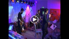 Qui potete rivedere l'esibizione live di Marco ieri sera a #Webnotte su @repubblicait! Staff : Marco Mengoni