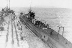 Japanese submarine I-10 at Penang port in 1942.jpg