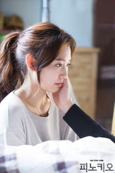New stills Pinocchio - Park Shin Hye 20141224 Park Shin Hye Pinocchio, Park Shin Hye Drama, Gwangju, Long Hair Cuts, Long Hair Styles, Beauty Inside, About Hair, Ponytail Hairstyles, Girl Drama