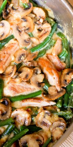 One Skillet Chicken with Green Beans and Mushrooms boasts fresh ingredients only. You will not find any canned cream soup here. One Skillet Chicken with Green Beans and Mushrooms boasts fresh ingredients only. You will not find any canned cream soup here. One Pot Meals, Main Meals, Good Meals, Cooking Recipes, Healthy Recipes, Zone Recipes, Budget Recipes, Avocado Recipes, Cooking Ideas