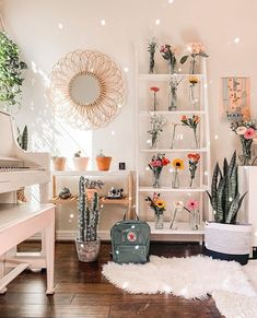 Aesthetic home aesthetic bedroom Aesthetic home Cute Room Ideas, Cute Room Decor, Teen Room Decor, Room Ideas Bedroom, Bedroom Decor, Bedroom Inspo, Interior Design For Bedroom, Mirror In Bedroom, Flower Room Decor